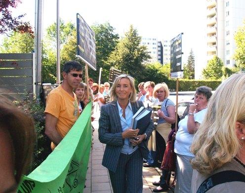 Protest vor der Sitzung des Stiftungsausschusses am Uniklinikum Göttingen