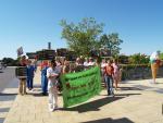 Protestzug vom Westeingang zum Gebäudemangement-Gebäude